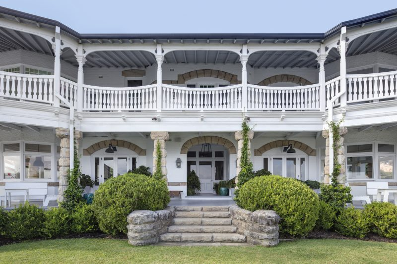 Wyer-Co_Harbourside-Garden_Federation-Style-Home-Features-Traditional-Style-Balconies